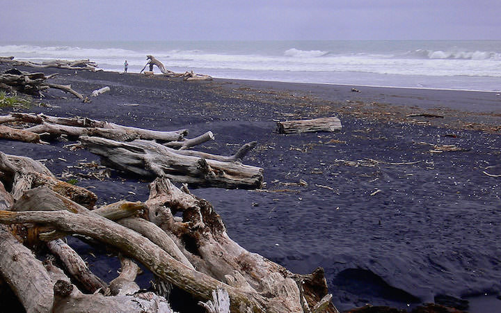 Mokau Black Beach - Nordinsel Neuseeland