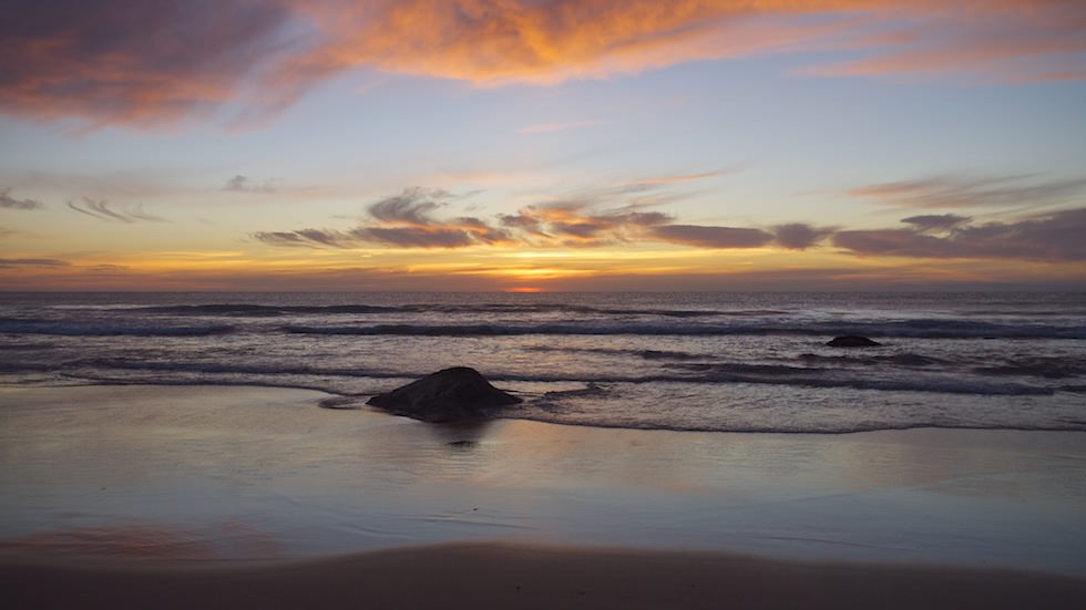 Sunrise Jones beach2