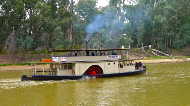 Paddle steamer in Echuca on the Murray River