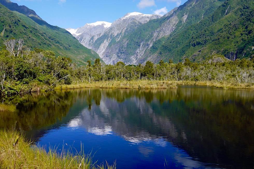 Franz Josef Glacier spiegelt sich im Peter's Pool - West Coast - Südinsel Neuseeland