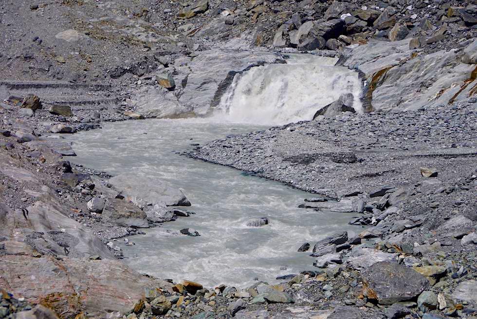 Schmelzwasser des Franz Josef Gletschers bildet den Waiho River - West Coast Region - Südinsel Neuseeland
