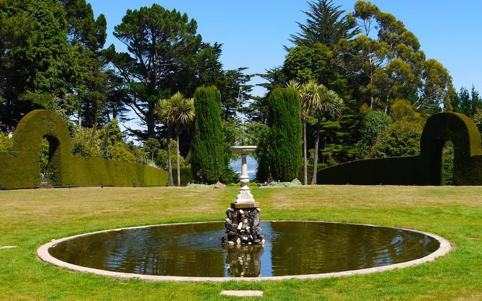 Larnach Castel Water Fountain Otago Peninsula near Dunedin
