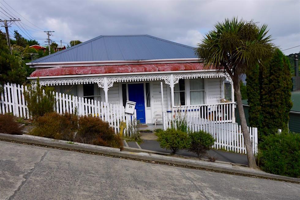 Haus auf der steilsten Straße der Welt - Baldwin Street - Dunedin - Neuseeland Südinsel