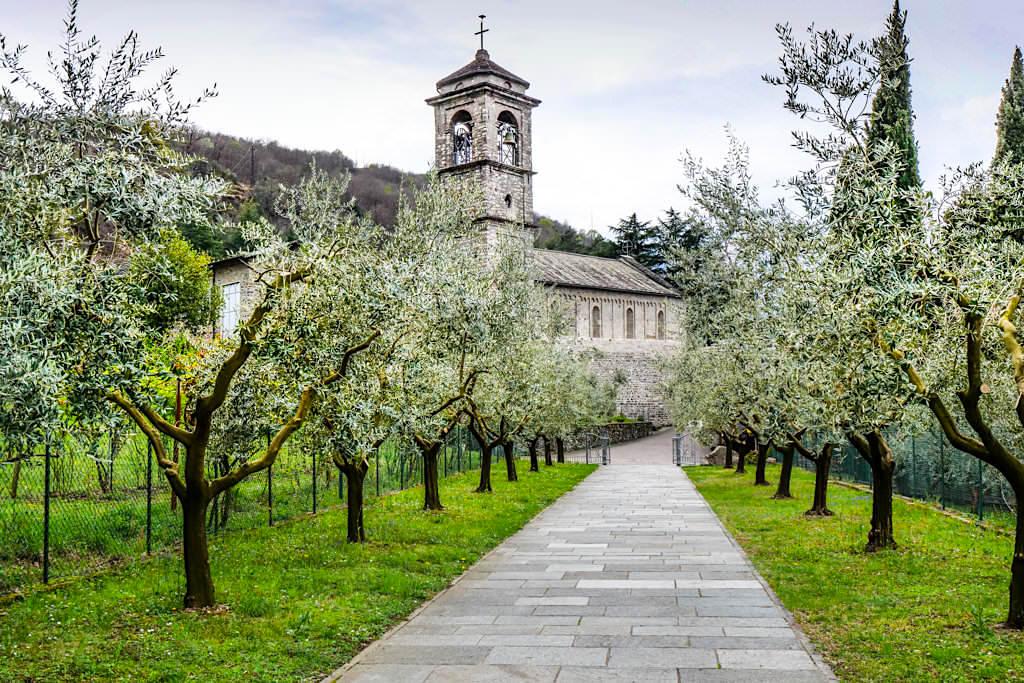 Abbazia di Piona - Klosteranlage mit tollem Ausblick - Comer See Geheimtipps - Lombardei, Italien