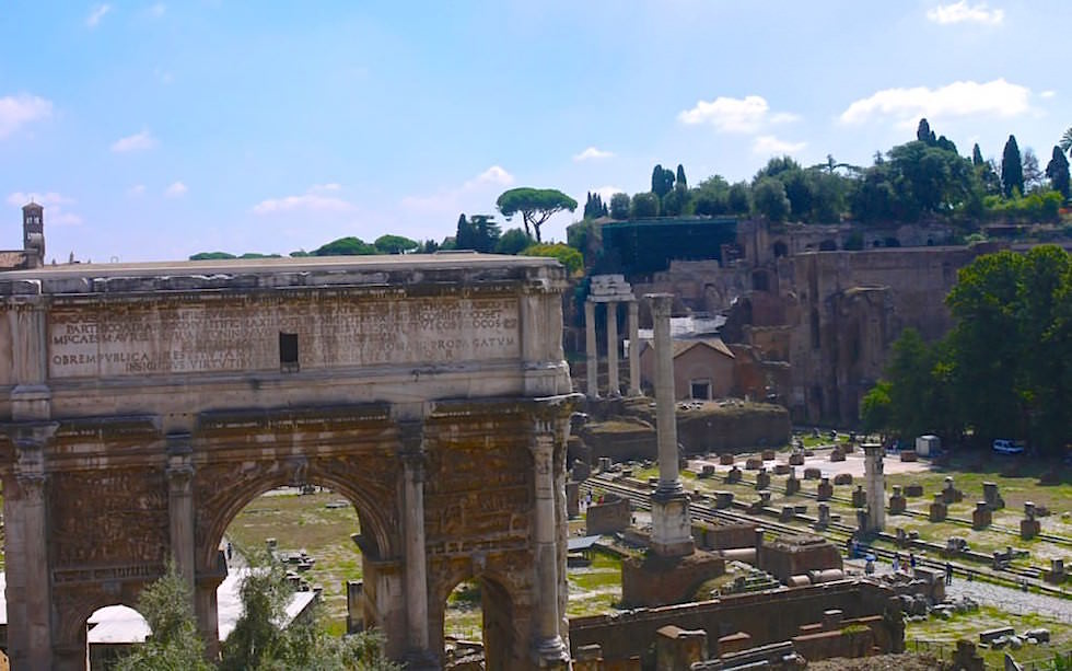 Arch-of-Septimius-Severus-in-Forum-Romanum-Rome