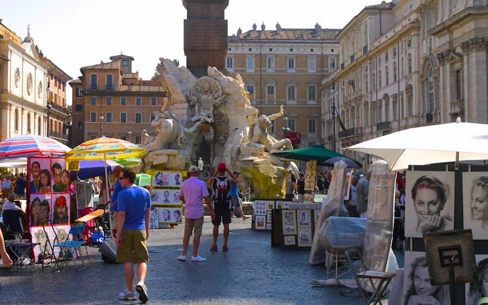 Artists-at-Piazza-Navona-in-Rome