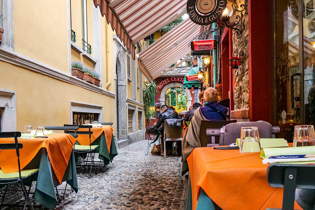 Bellagio - Bunte Altstadt mit kleinen Gassen - Comer See - Lombardei, Italien