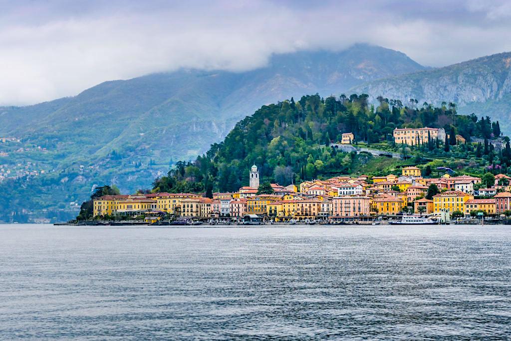 Comer See Sehenswürdigkeiten: Ausblick auf Bellagio und Villa Serbelloni - Italien