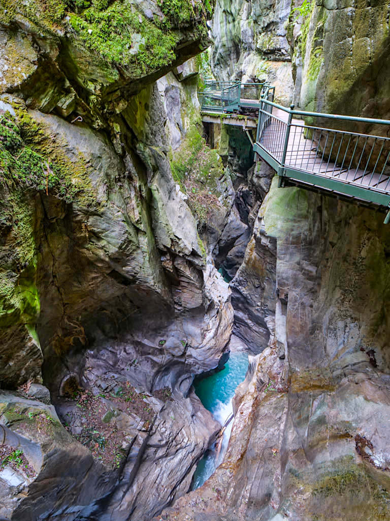 L'Oriddo ist eine imposante Schlucht mitten durch Bellano - Comer See Geheimtipps - Lombardei, Italien