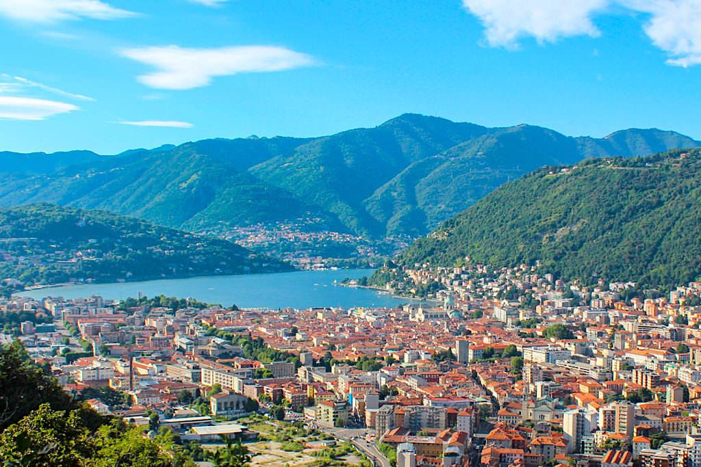 Blick auf Como und den Comer See - Italien