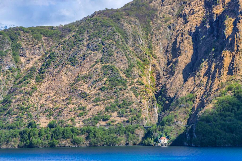 Comer See Highlights - Versteckte Villen, Berge, wilde Natur & Wasserfälle - Lombardei, Italien