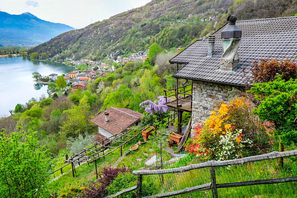 Malerisches Dascio - Lago di Mezzola am Nordende des Comer Sees - Lombardai, Italien