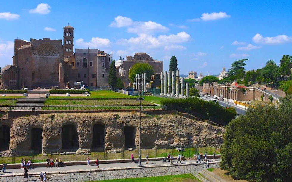 Forum-Romanum-the-Temple-of-Venus-and-Rome