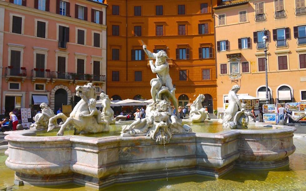 Neptun-Brunnen an der Piazza Novana in Rom Italien