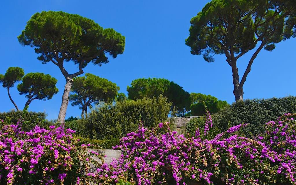Gardens-near-Villa-Borghese-in-Rome