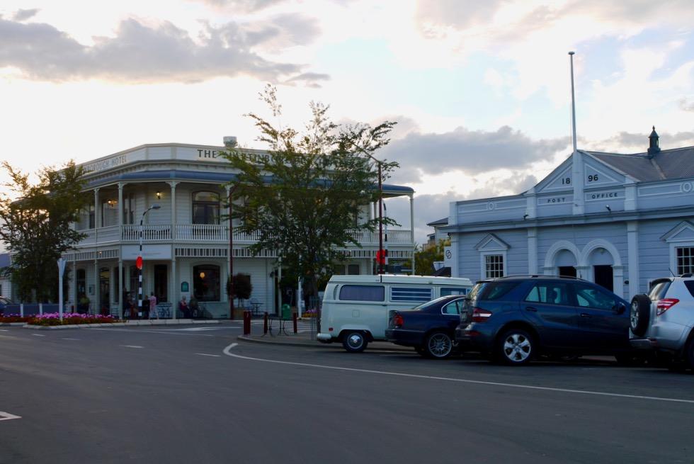 Einladend & idyllisch: Martinborough - Bekannt für seine viele Weinkellereien & Winzerhochburg - Nordinsel, Neuseeland
