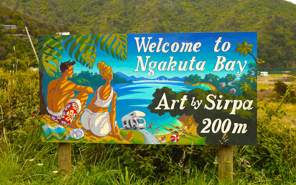 Ngakuta Bay near Queen Charlotte Drive between Piction and Havelock South Island NZ