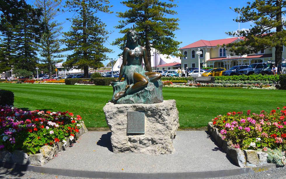 Fountain  Napier  - North Island NZ