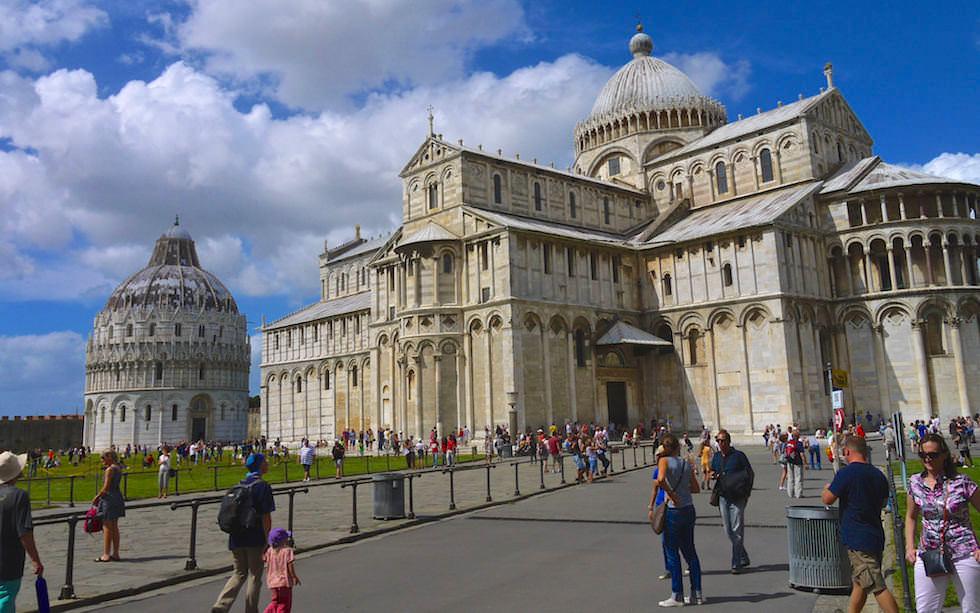 Baptisterium - Taufbecken - Schiefe Turm von Pisa - Italien
