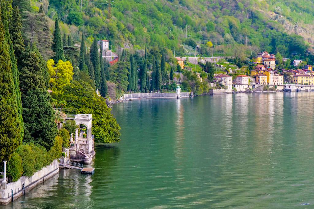 Villa Monastero - Grandioser Ausblick über das Ostufer des Comer Sees von der Eingangsloggia - Lombardei, Italien