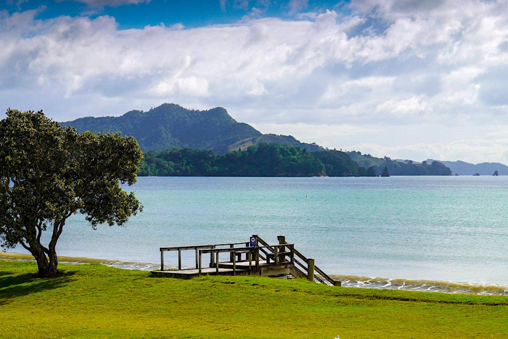 Whitianga & der schöne Buffalo Beach: Steg zum Sandstrand - Coromandel Highlights - Nordinsel, Neuseeland