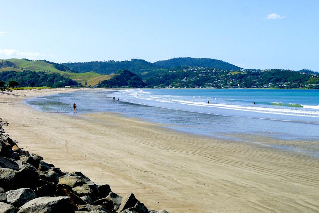 Whitianga - Wunderschöner, langgestreckter Buffalo Beach - Coromandel Peninsula - Nordinsel, Neuseeland