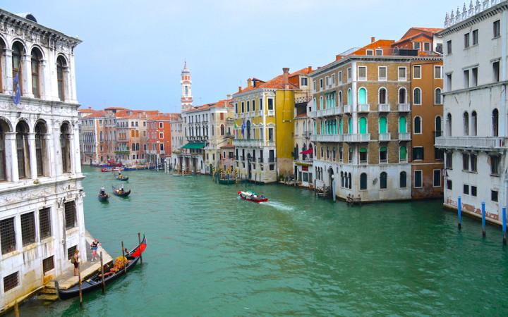Canal Grande in der Lagunenstadt Venedig in Italien