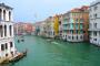 """Venedig – Canal Grande, die schönste """"Straße"""" geschmückt mit der berühmten Rialto Brücke"""