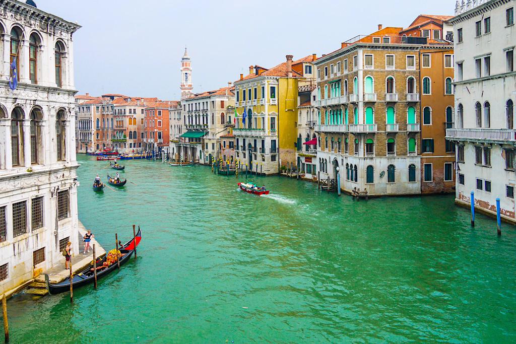 Venedig Sehenswürdigkeiten: der Canal Grande ist eine der schönste Straßen der Welt - Italien