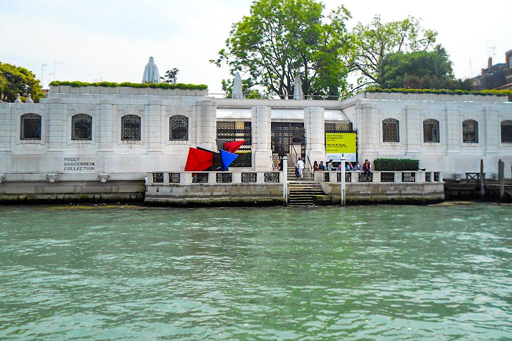 Venedig Sehenswürdigkeiten & die schönste Museen - Peggy Guggeheim Collection mit einer Sammlung zeitgenössischer Kunst - Italien