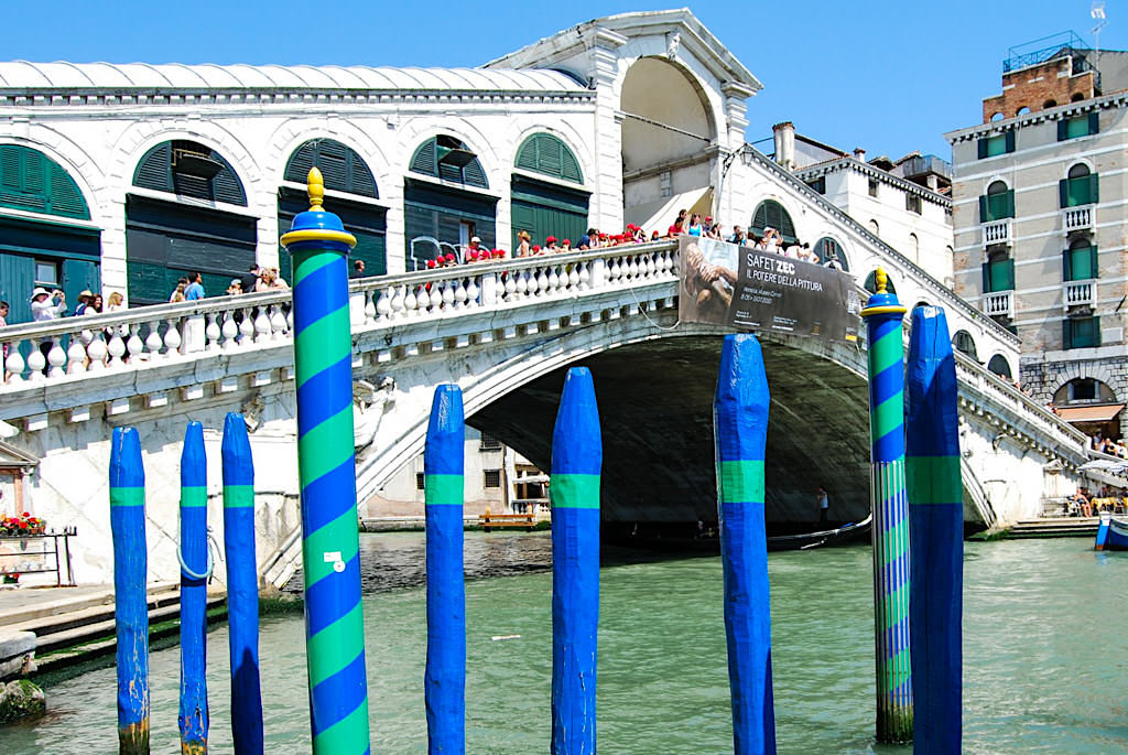 Venedig Sehenswürdigkeiten - Baukunstwerk Rialto Brücke - Italien