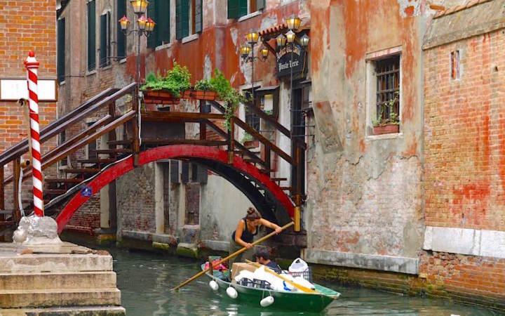 Brücken & Kanäle der Lagunenstadt - Ist ganz Venedig auf Pfählen gebaut? - Italien