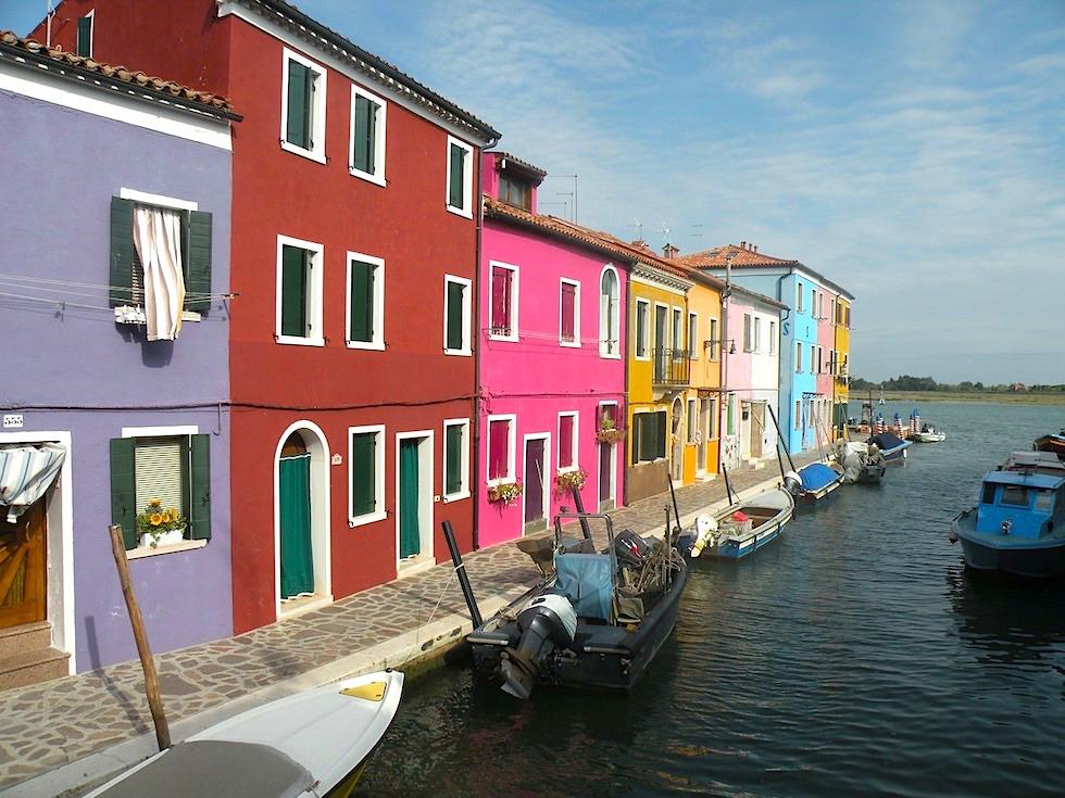 Burano - Bunte Häuserfronten & Kanäle - Lagune von Venedig - Italien