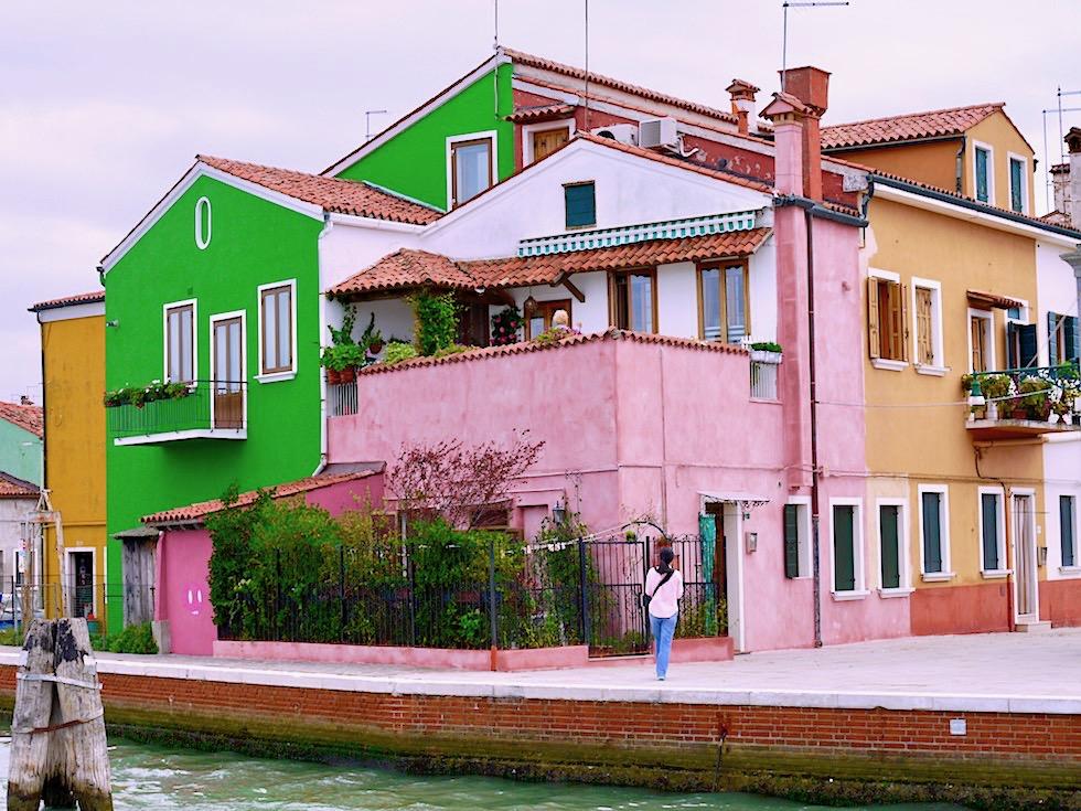 Burano - Häuser aus dem Farbmalkasten: das Erkennungszeichen der Inselgruppe - Lagune von Venedig - Italien