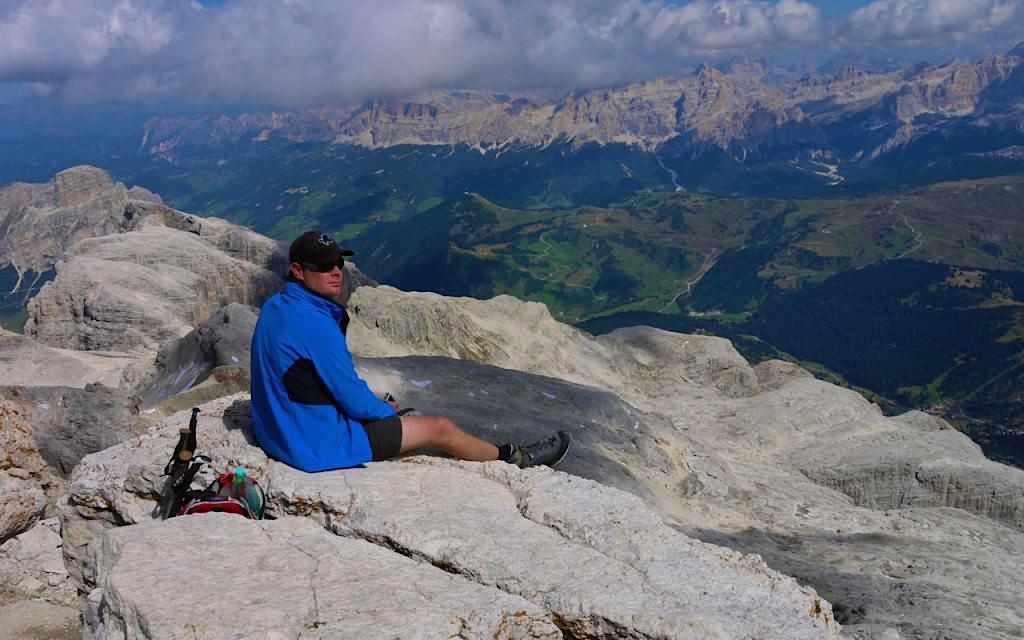 Piz Boè Wanderung: Blick vom Gipfel - Sella Gruppe in den Dolomiten - Südtirol Italien