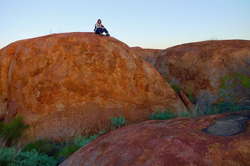 Devil Marbles oder Karlu Karlu - Felsbrocken mit viel Eisenoxid sorgen für Rotfärbung - Northern Territory