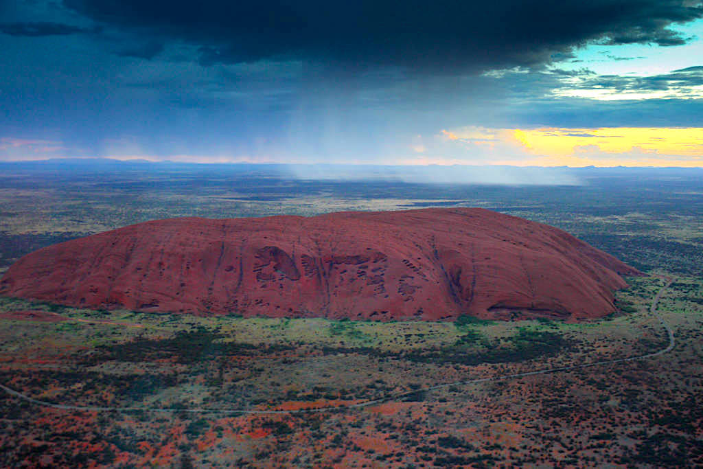 Helikopter Rundflug zum Uluru: eines der Highlight im Uluru / Ayers Rock Nationalpark - Northern Territory