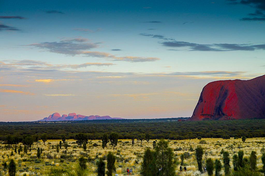 Kata Tjuta Dune Viewing Lookout - Sonnenaufgang mit Blick auf die Olgas & Uluru - Northern Territory