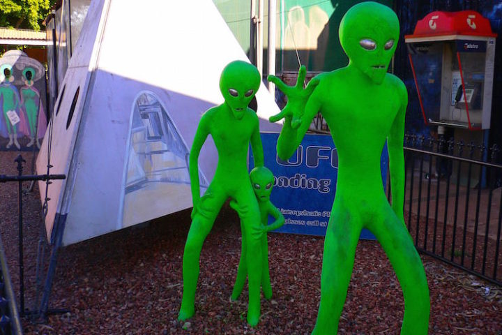 Wycliffe Well Roadhouse Northern Territory - Alien Capital