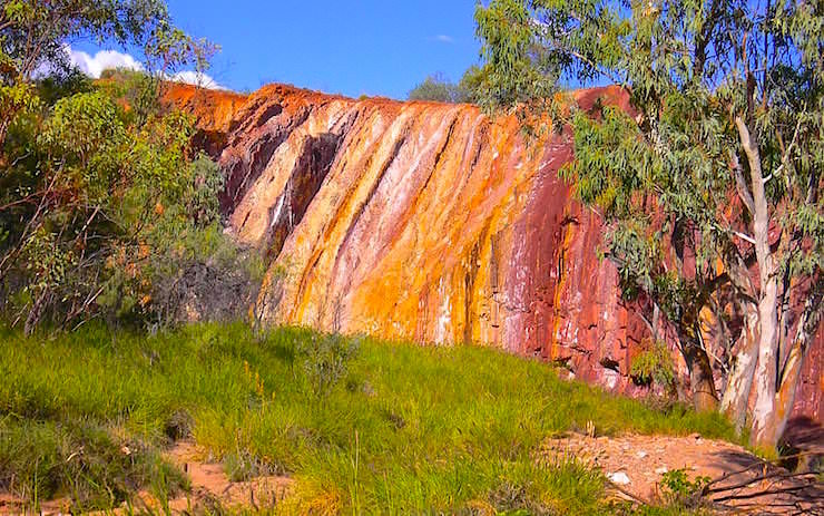 Ochre Pits MacDonnell National Park - Alice Springs - MacDonnell Range
