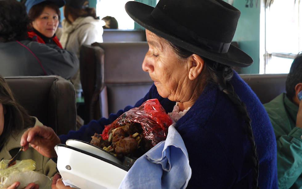 Straßenverkäufer Huancayo Huancavelica mit Zug El Tren Macho