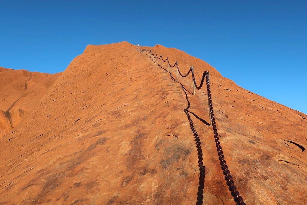 Uluru - Besteigung unerwünscht von den Aboriginals & demnächst ganz verboten - Northern Territory