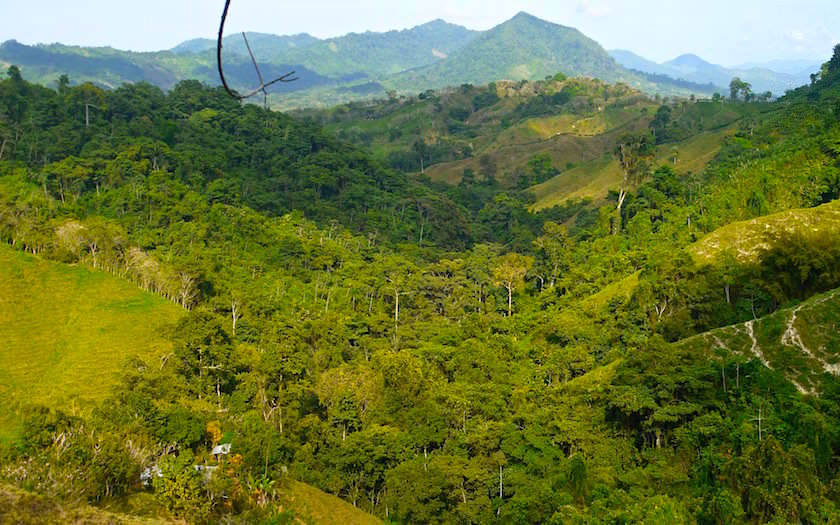 Aussicht über die Dächer der Sierra Nevada de Santa Marta beim Ciudad Perdida Trekking - Kolumbien