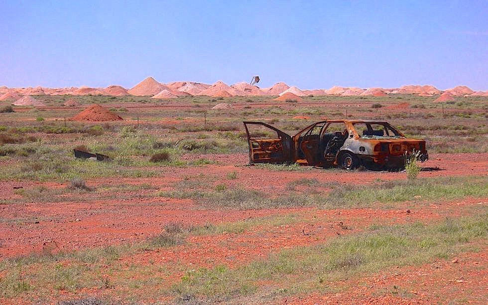 Coober Pedy - Hügel aus Opalminen-Schutt - South Australia