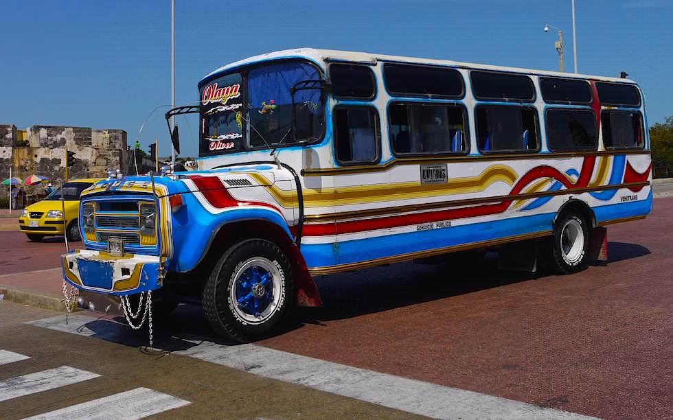 Typisch bunte Busse in Cartagena - Reise- & Fortbewegung - Kolumbien