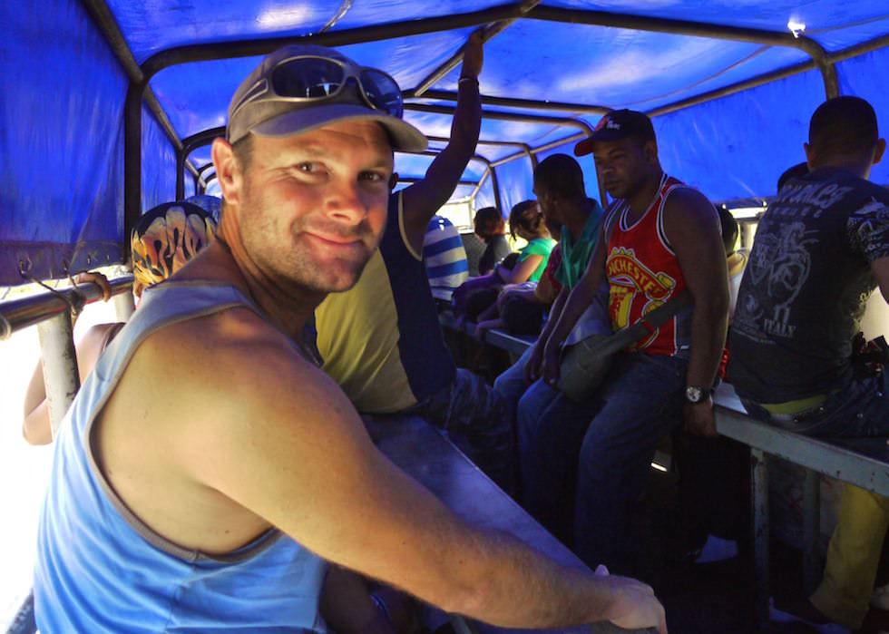 Fahrt Südküste Kuba mit Lastwagen statt Bus - Kuba jenseits des Tourismus erleben!
