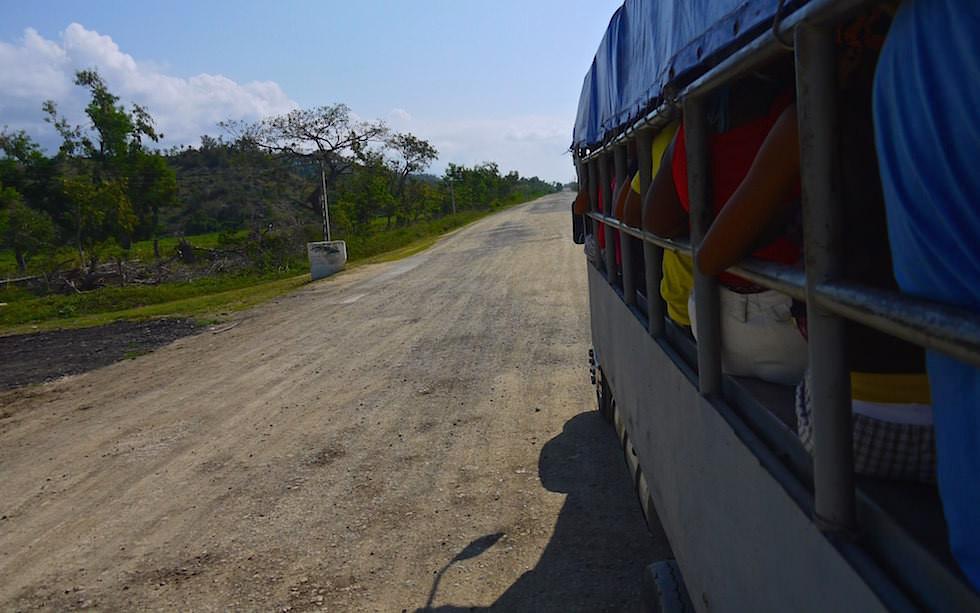 Straße Südküste Kuba nach Santiago de Cuba - Kuba jenseits des Tourismus erleben!