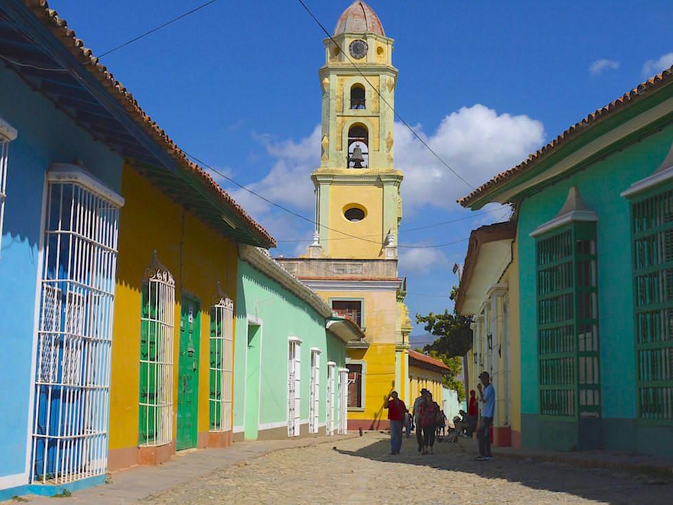 Ausblick auf Kirche von Plaza Mayor Trinidad Kuba