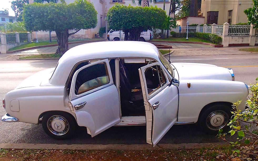 Oldtimer Daimler Mercedes Kuba