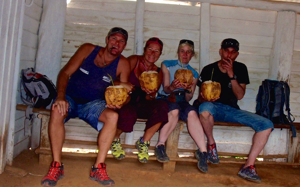 Coco loco bei einer Tabakfarm in Vinales Kuba